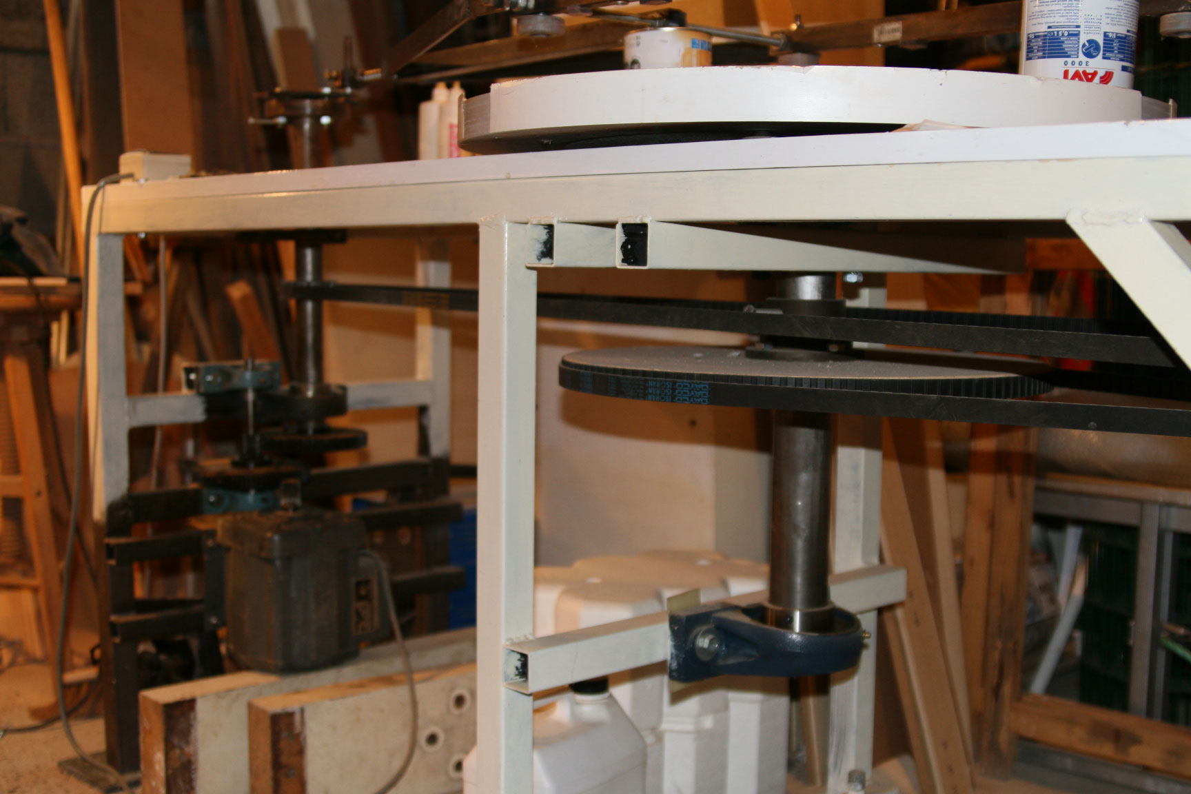 Telescope equatorial de 500mm de diametre install dans un for Miroir parabolique telescope